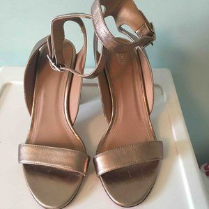 Lewit Made in Italy Rose Gold Leather Sandals Heel